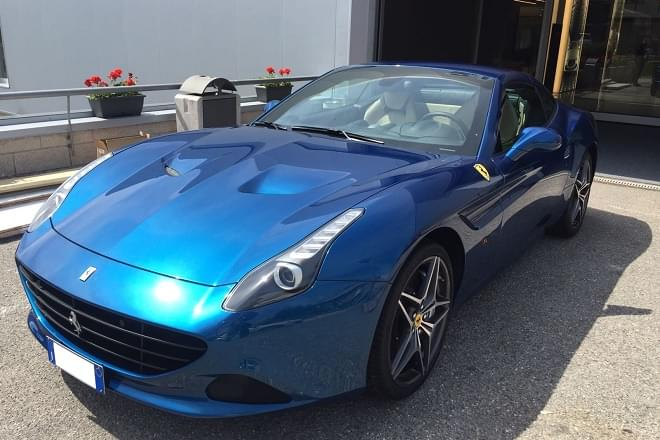 Rent Ferrari California in Italy