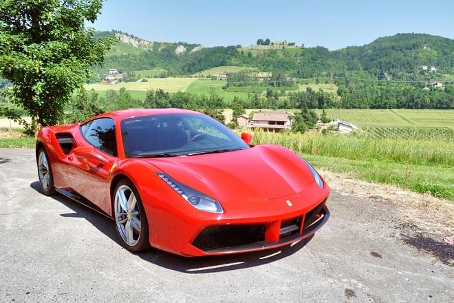 Rent Ferrari 488 GTB in Italy