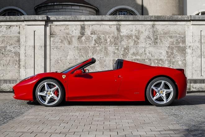 Rent Ferrari 458 Spider in Italy