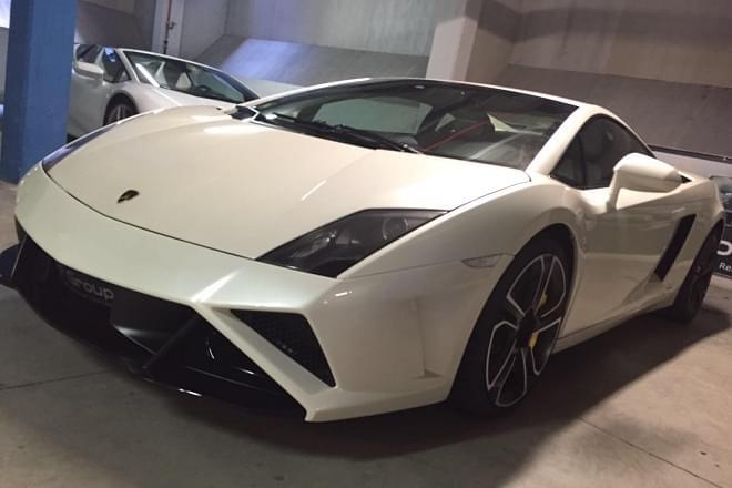 Rent Lamborghini Gallardo