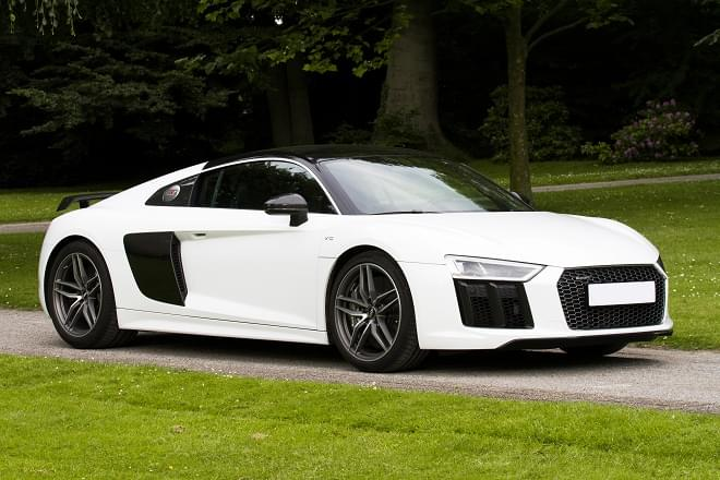 Rent Audi R8 V10 Coupe