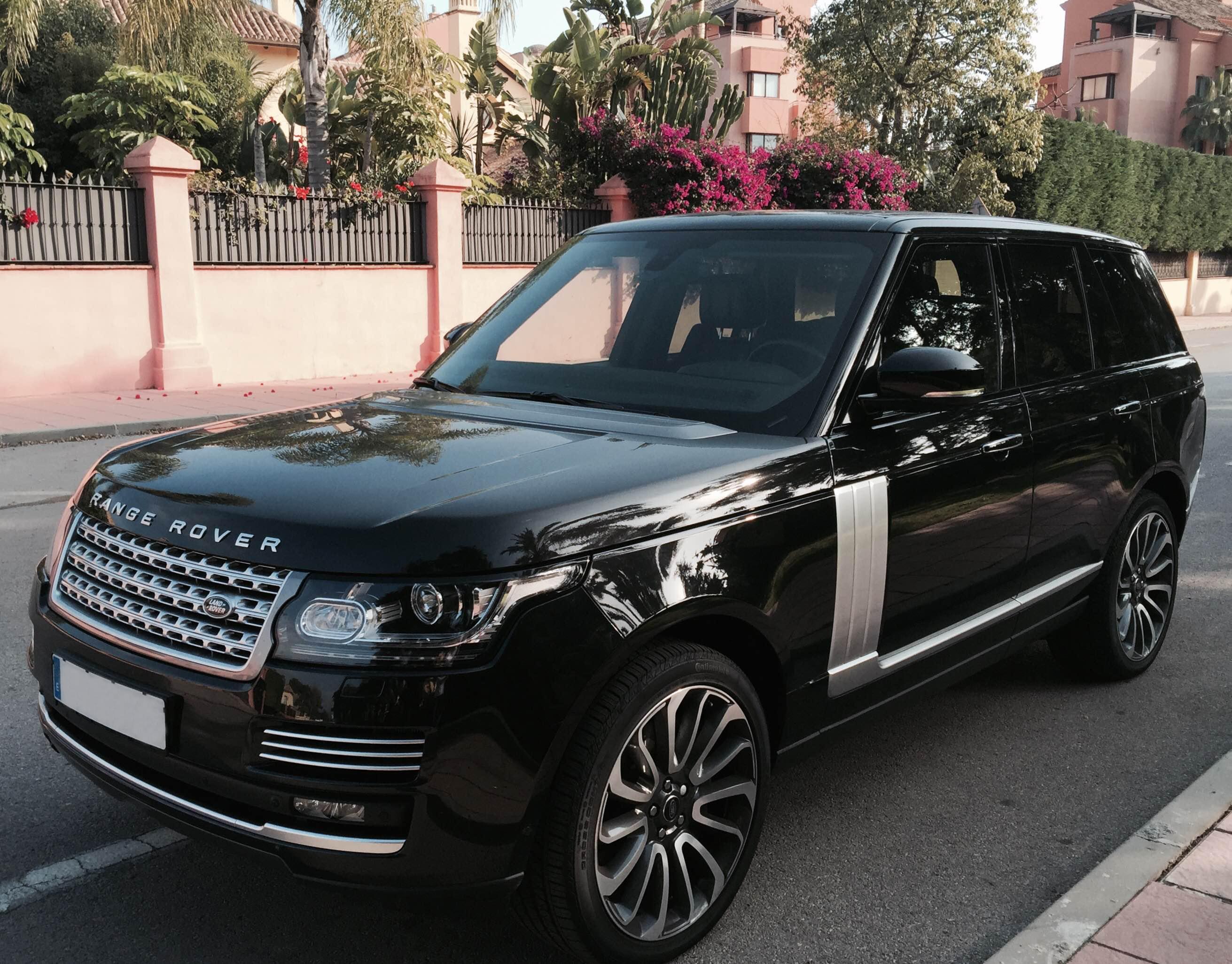 Range Rover Vogue Black - London