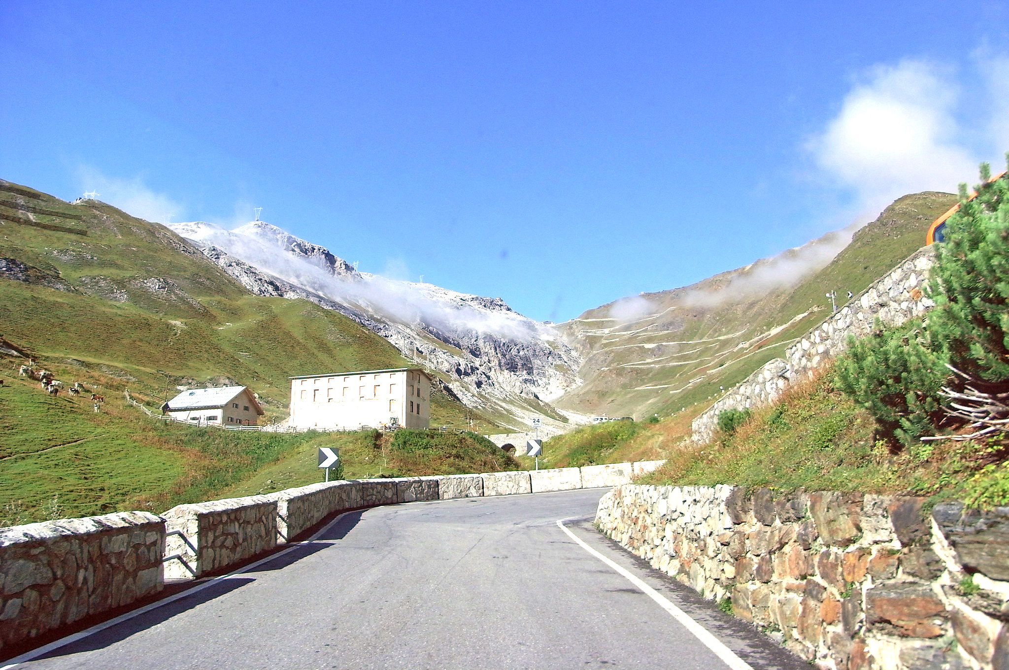 Stelvio Pass Experience - Lurento Luxury Car Rental