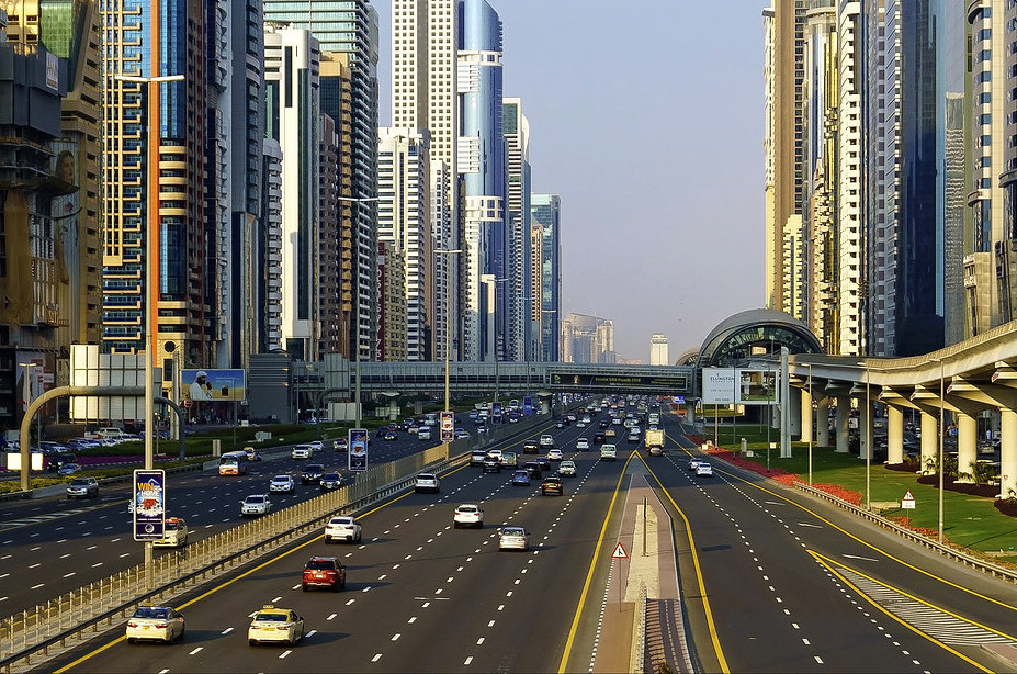 Everything you need to know when renting a luxury or sports car in Dubai